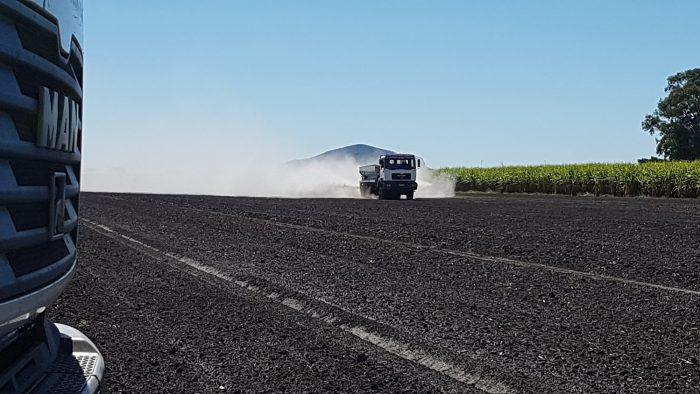 Fertilising cane land